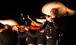 art1-Batch#4988-kw1-bar mariachis Bogotá